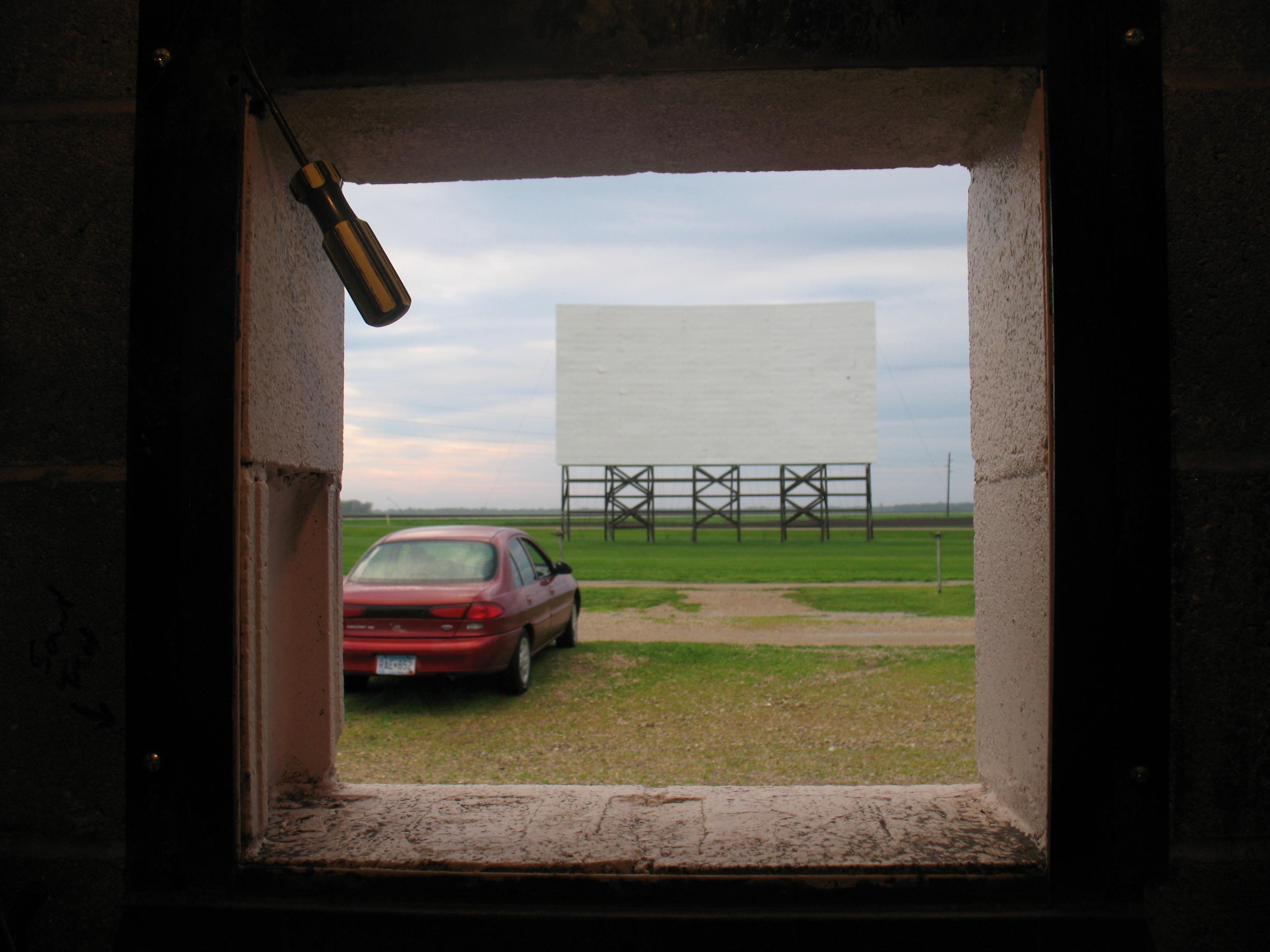 Last Reel: Drive-In Movie Theaters of Minnesota