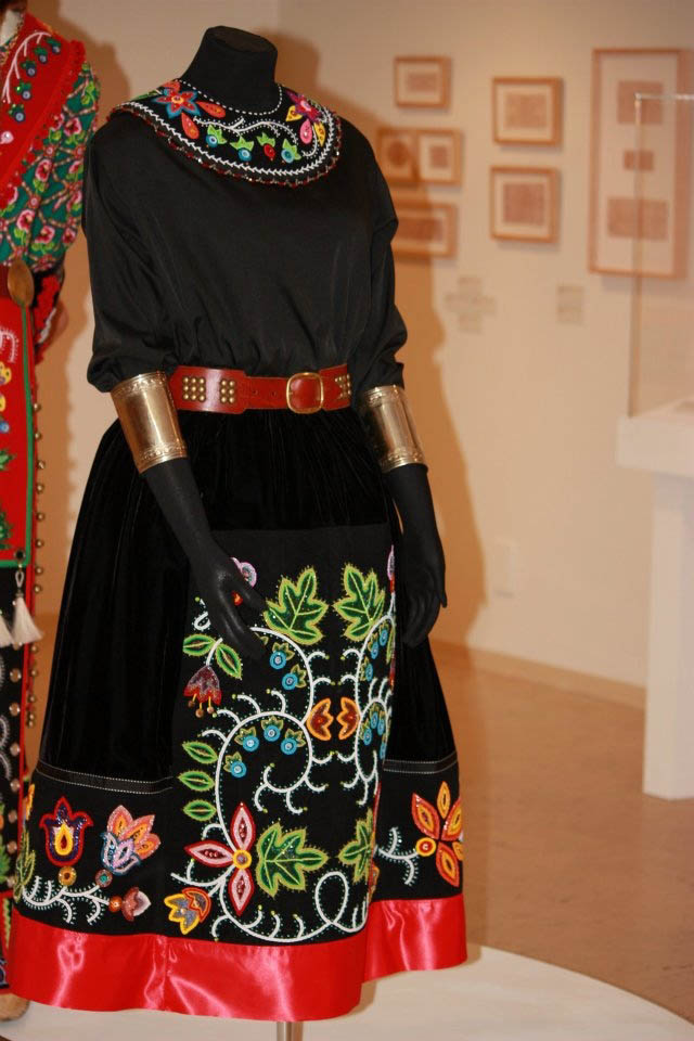 Native American Beadwork: Delina White featured at the Tweed Museum