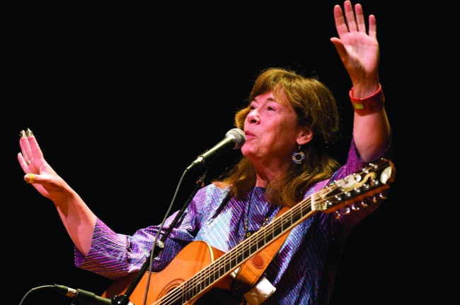 The Live Feed Presents: Claudia Schmidt at MWMF 2013