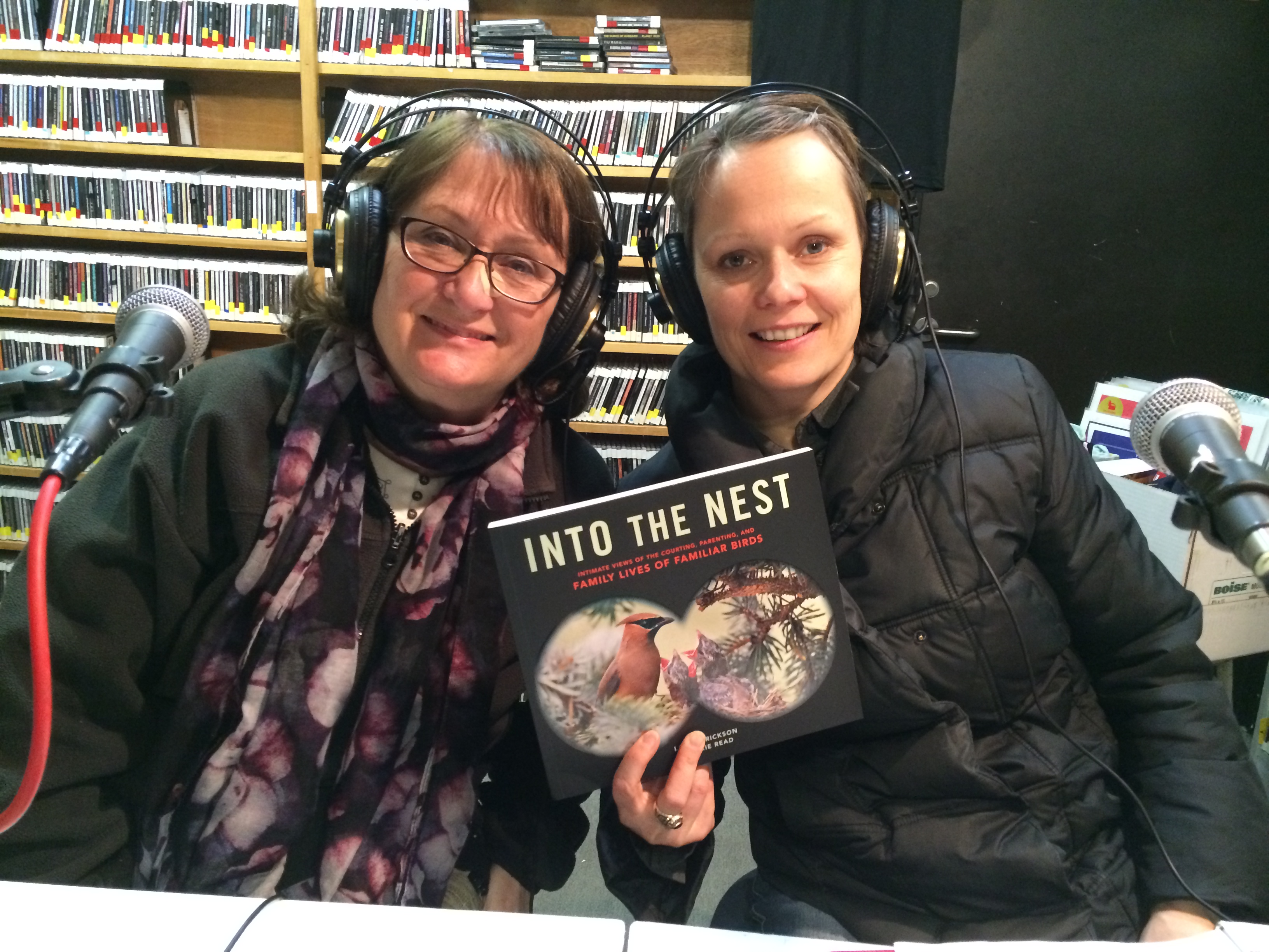 """MN Reads:  """"Into the Nest: Intimate Views of the Courting, Parenting, and Family Lives of Familiar Birds"""" by Laura Erickson and Marie Read"""