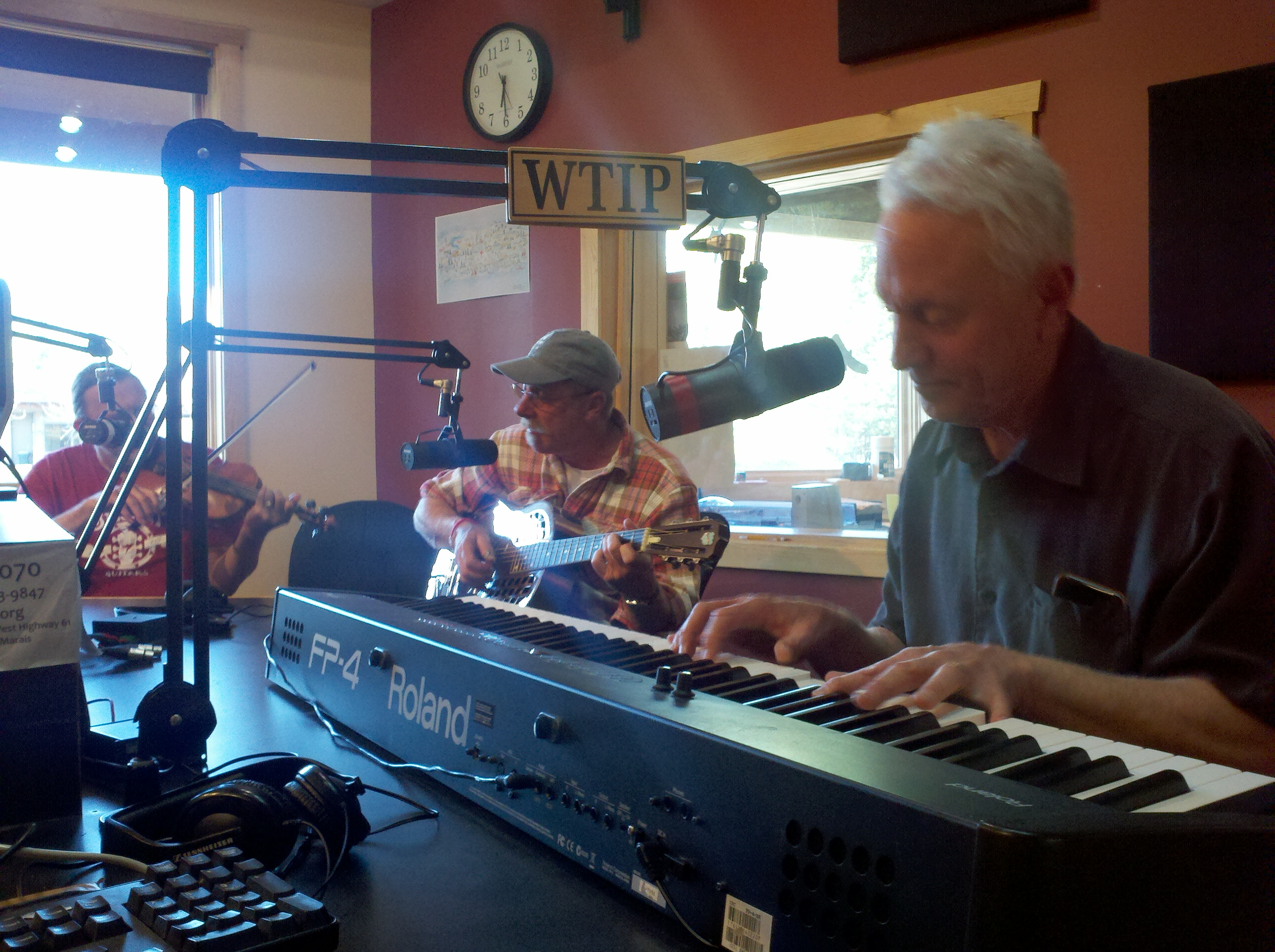 Chris Gillis, Gordon Thorne, & Randy Sabien live in Studio A