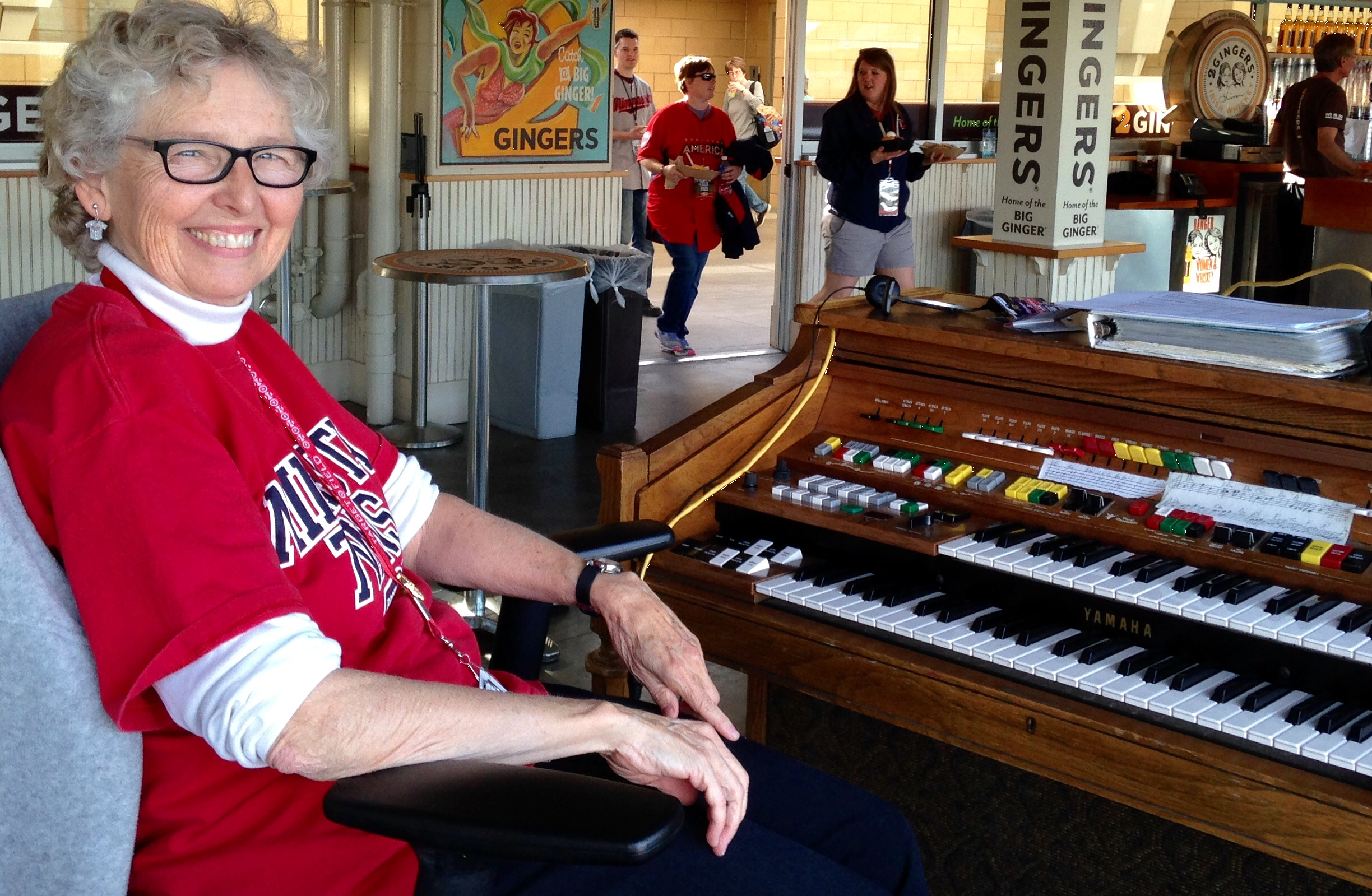 Baseball Organists Still a Hit With Minnesota Fans