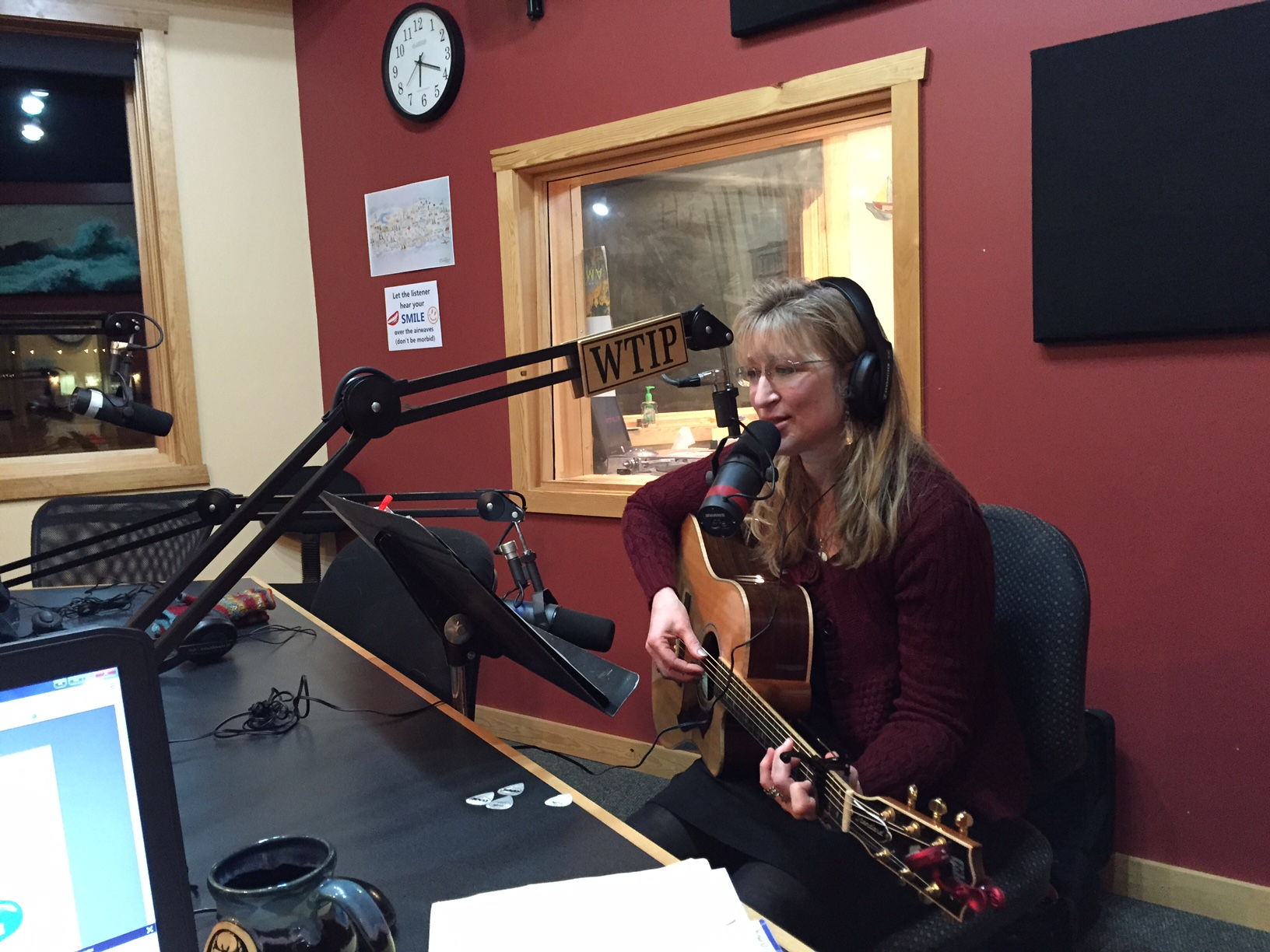 Musician Michele Miller flies solo on The Roadhouse