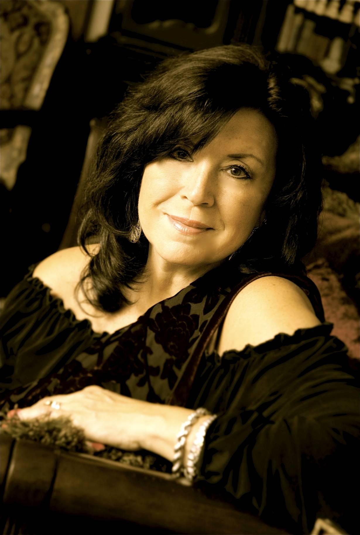 Patty Peterson, Minnesota Singing Icon