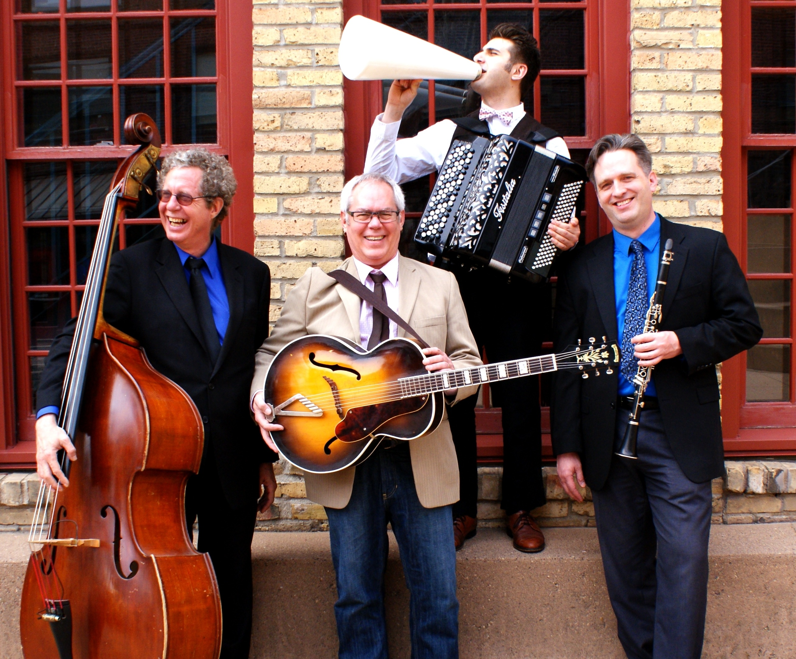 Patty and the Buttons Big Old-Style Vaudeville Show Slated for Nov 26