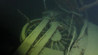 Shipwreck hunter finds locomotive at bottom of Lake Superior