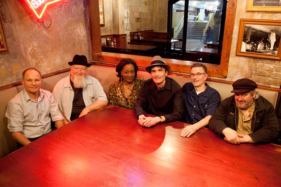 Paul Barry and the Ace Tones with Lila Ammons Does it All