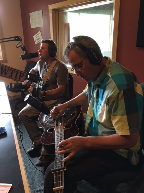 Bill Hansen & Eric Frost play The Roadhouse