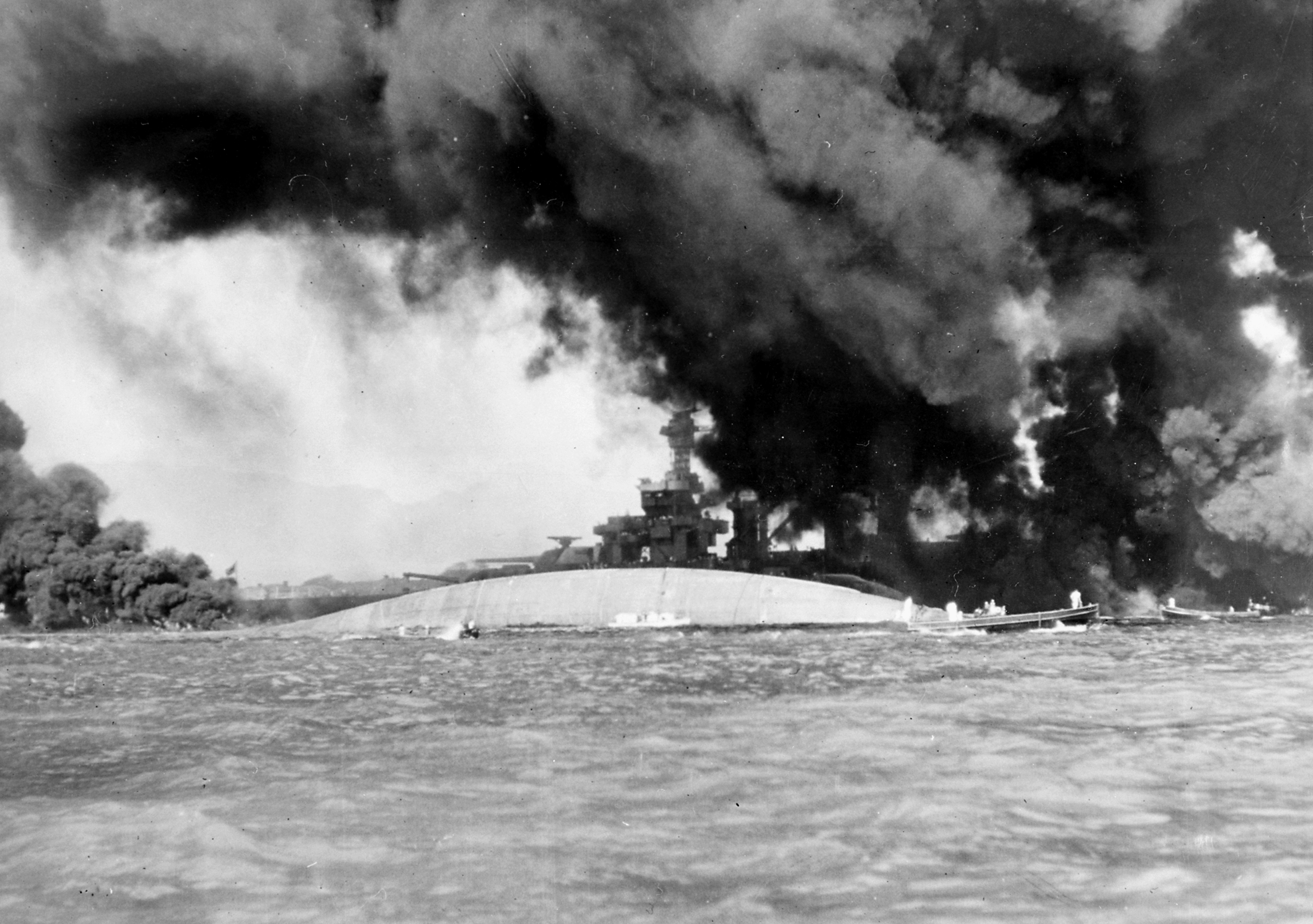 MN90: 75 Years after Pearl Harbor, Sailors Come Home