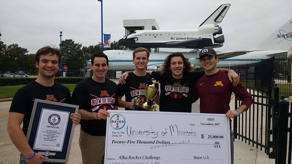 U of MN students win the Bayer-Big Ten Alka Rocket challenge