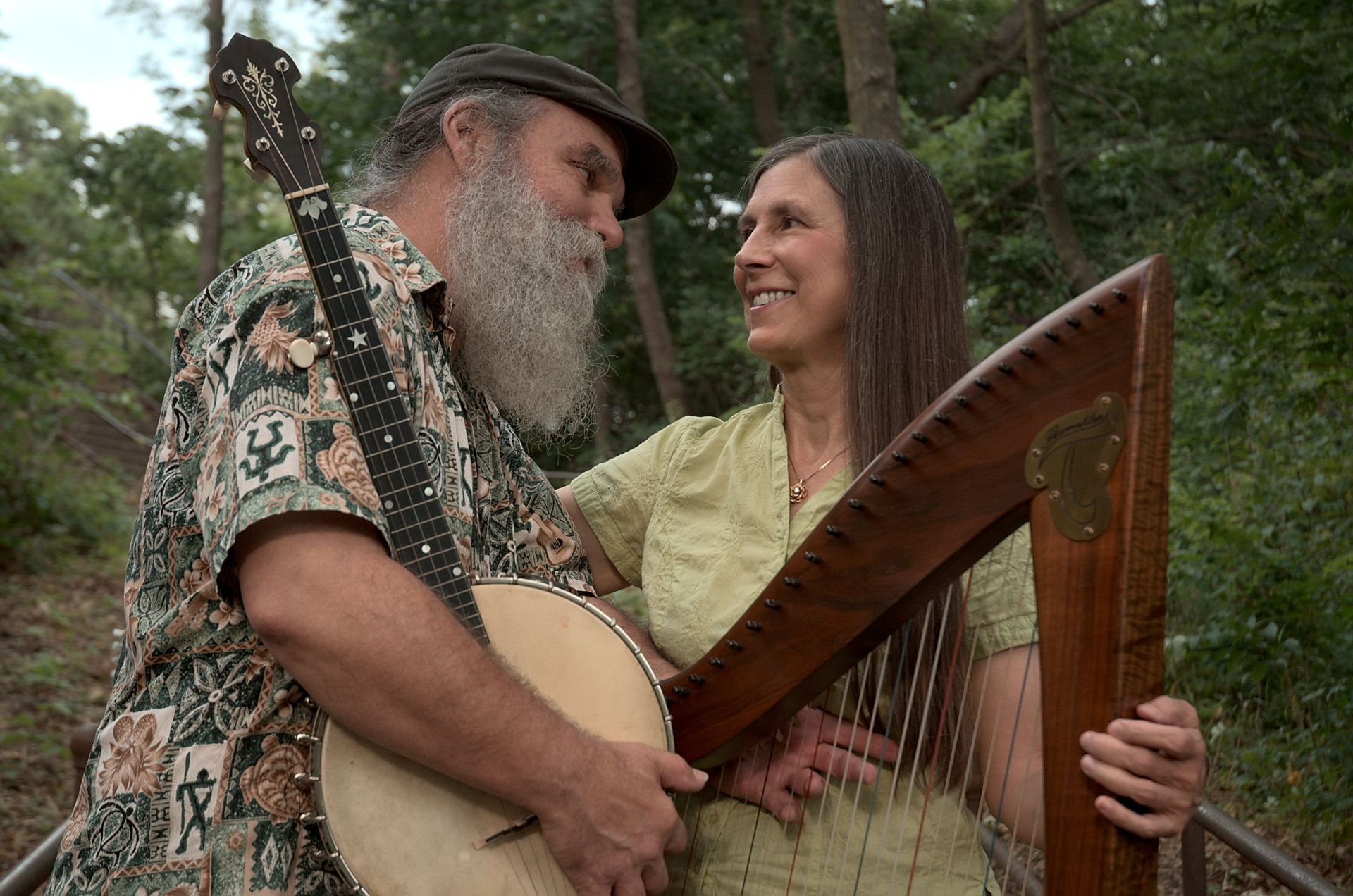 Folk duo Curtis and Loretta on The Roadhouse