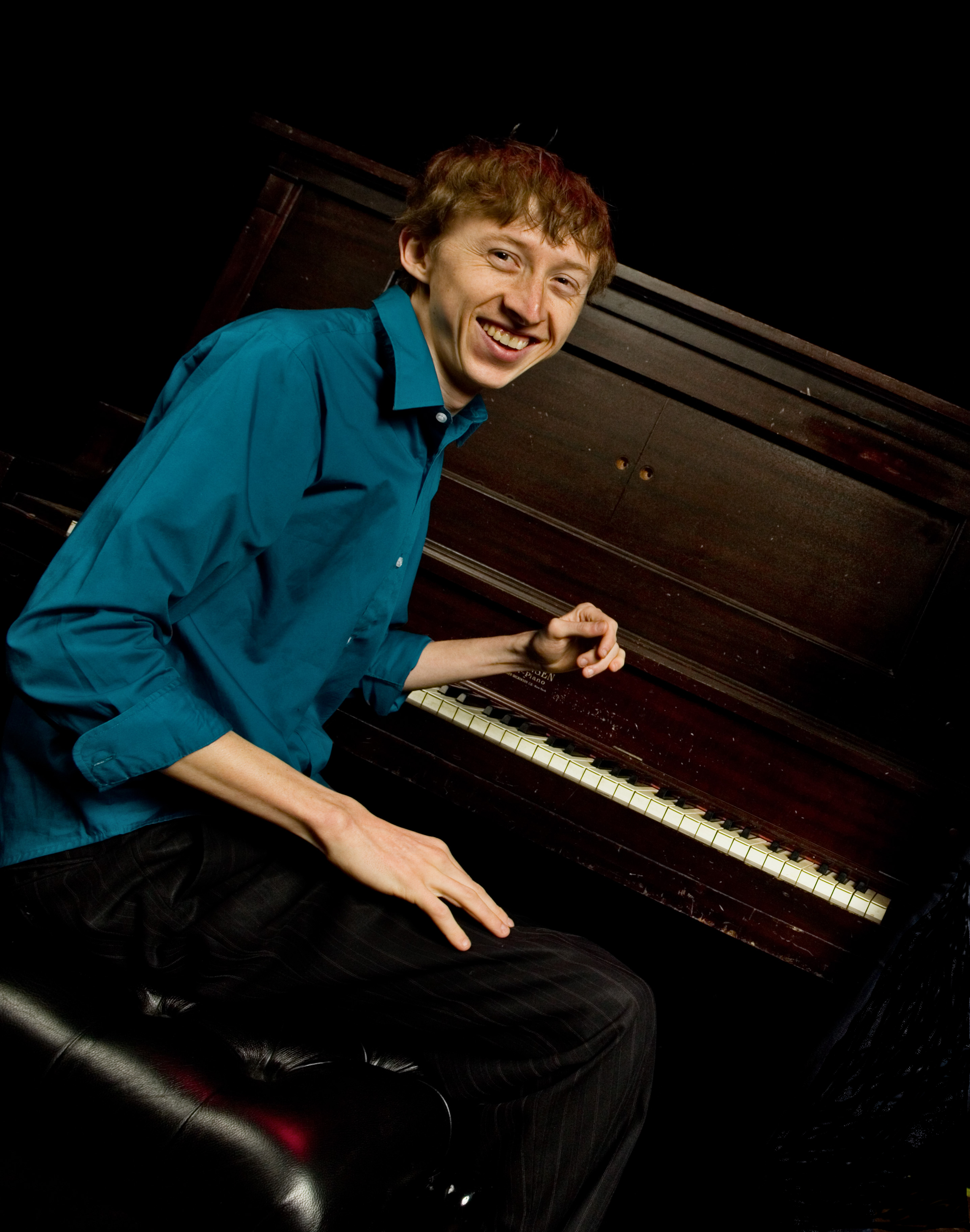 Steve Hobert Dazzles with Mood Shifting Piano Style