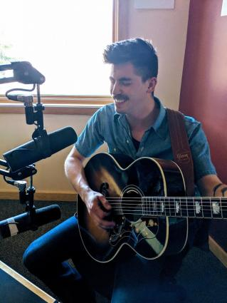 """Eli Bentley talks about new Ginstrings album """"Size of Your Shadow"""""""