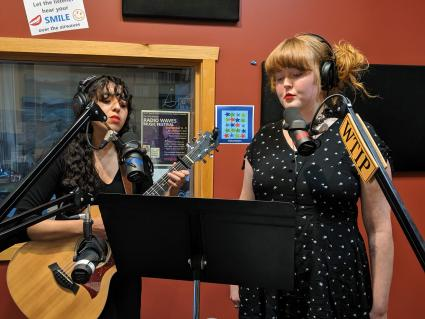 Red Lips live debut on Scenic Route