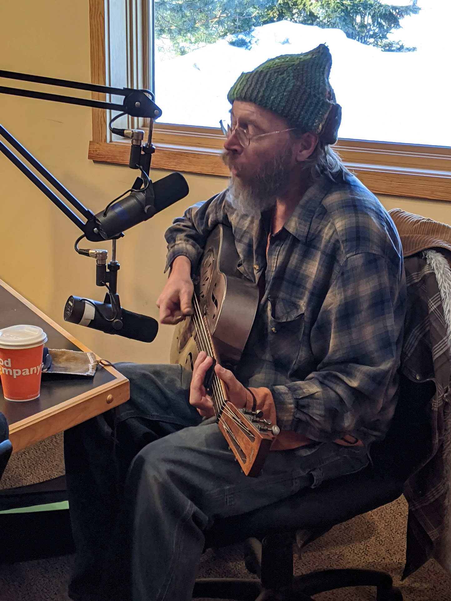 Charlie Parr plays live on Blues n' Things