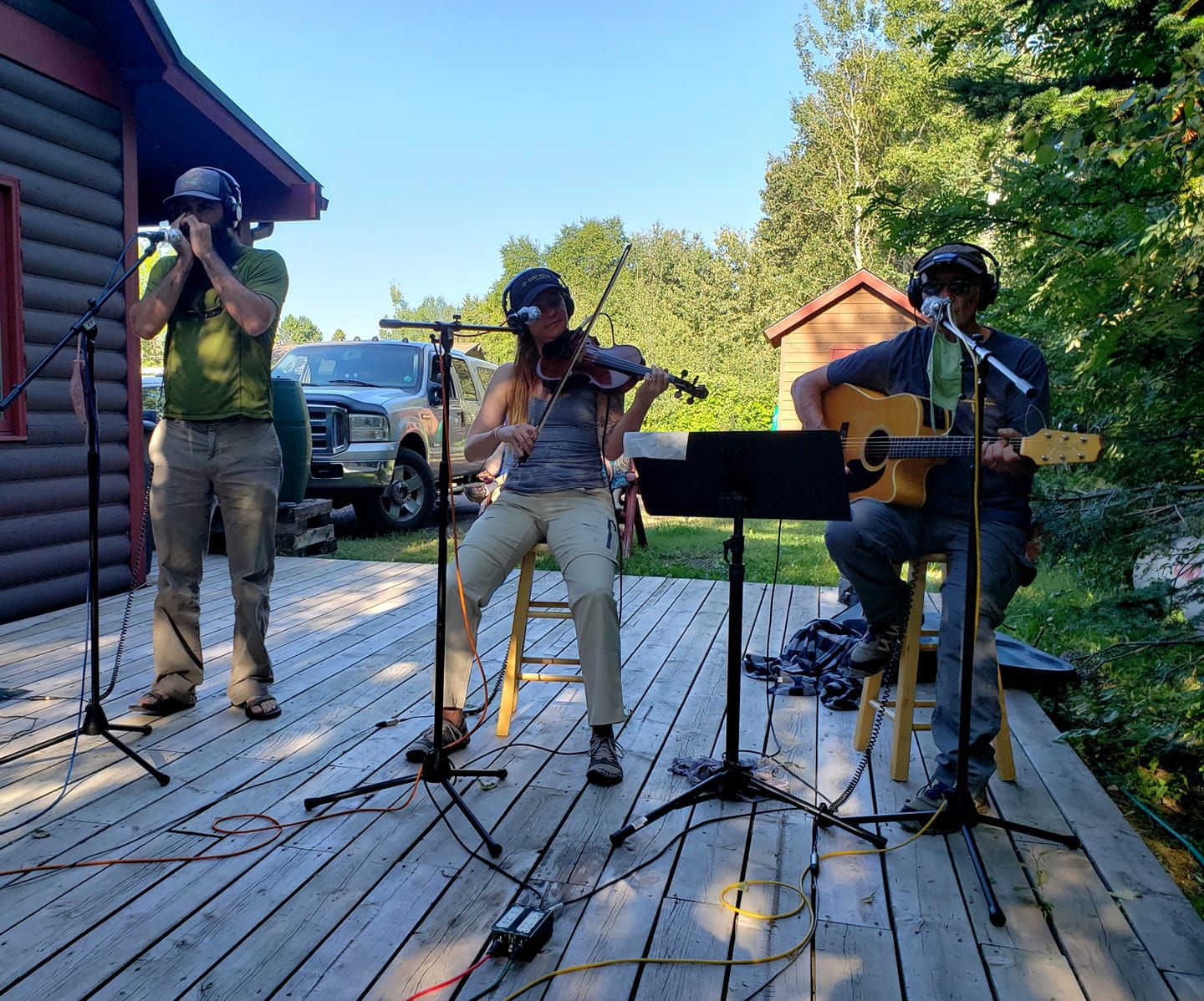 Jerry Vandiver and friends join Roadhouse