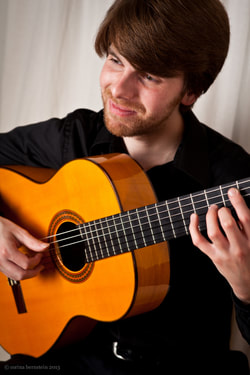 Ben Abrahamson's Guitar Style Encompasses Diverse Musical Interests